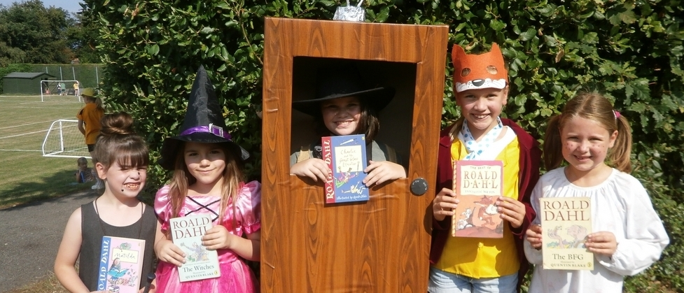 m_Roald Dahl Day pupils