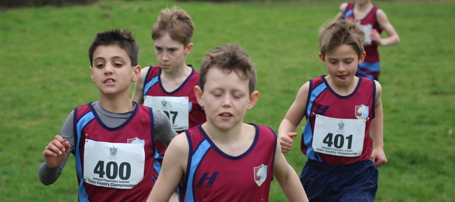 U'11 boys running