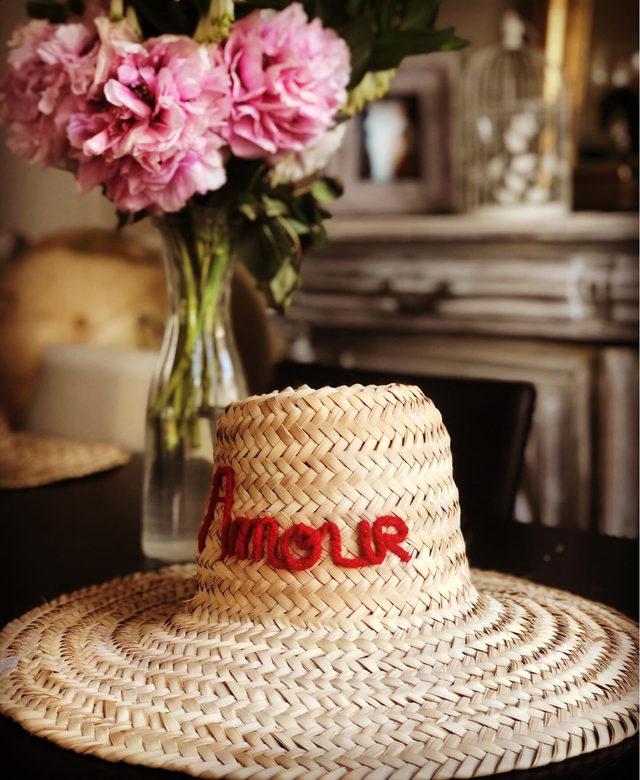 """Chapeau tressé """"Amour"""""""