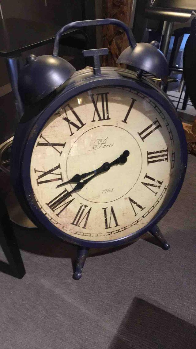Horloge effet vieilli