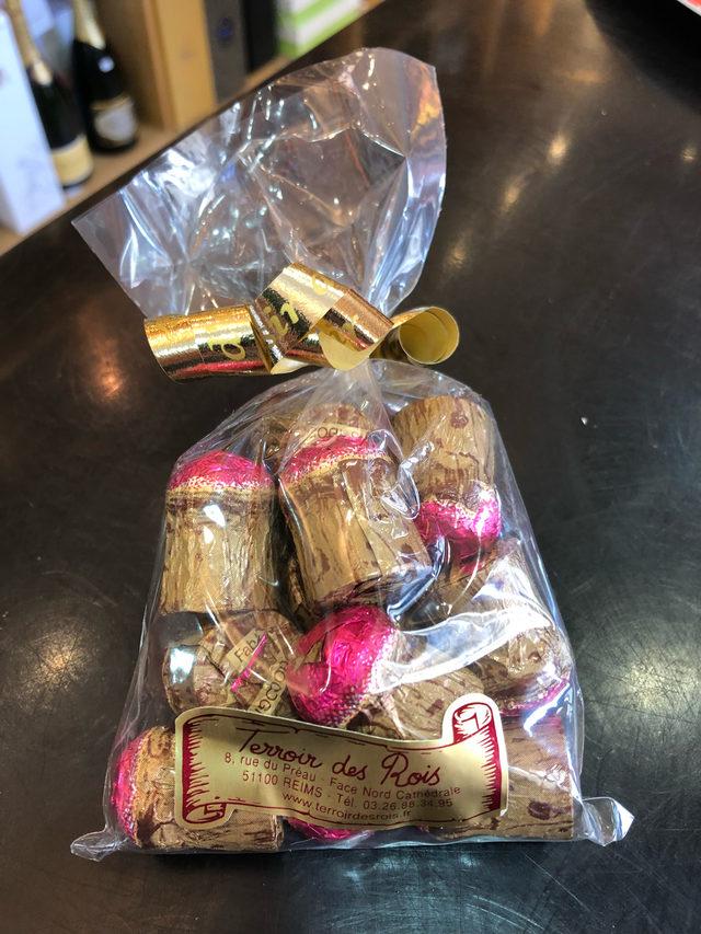 sachet de 14 bouchons au chocolat et Ratafia