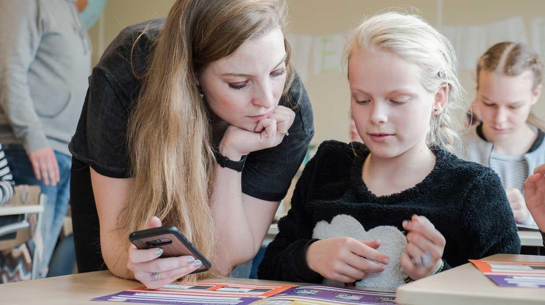Lespakket Belsimpel leert kinderen omgaan met smartphonekosten