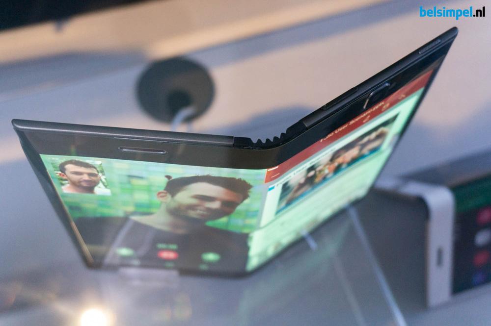 Lenovo toont buigbare smartphone en tablet