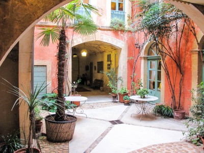French property, houses and homes for sale in TARASCON Bouches_du_Rhone Provence_Cote_d_Azur