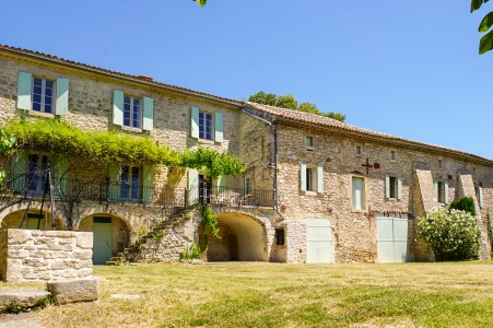 French property, houses and homes for sale in ST JEAN DE MARUEJOLS ET AVEJAN Gard Languedoc_Roussillon