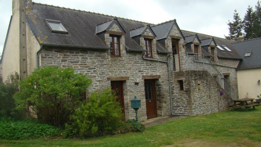 French property, houses and homes for sale in PLUMELIAU Morbihan Brittany