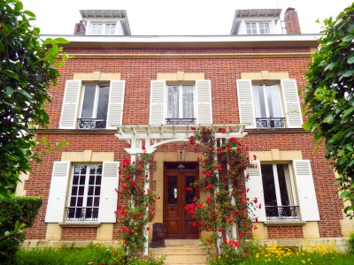 French property, houses and homes for sale in CHANTILLY Oise Picardie