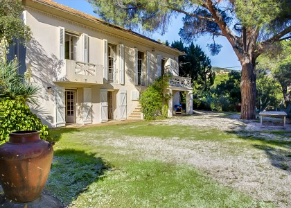 French property, houses and homes for sale in BORMES LES MIMOSAS Provence Cote d'Azur Provence_Cote_d_Azur