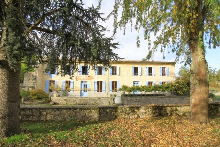 French property, houses and homes for sale in Vertheuil Gironde Aquitaine