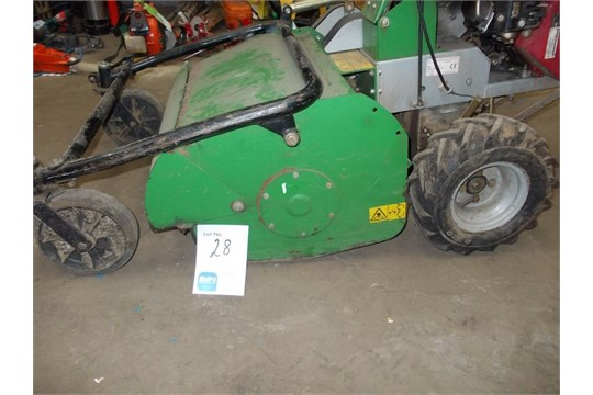 Midland power model 610 petrol pedestrian flail mower, powerd by