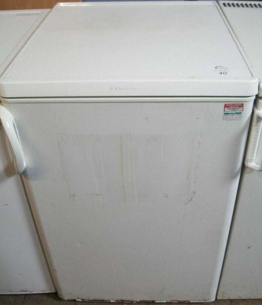 Electrolux under counter fridge W550 D600 H860mm