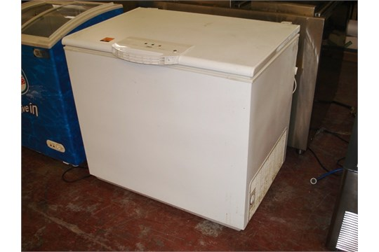 zanussi electrolux low frost beep protect chest freezer dimensions rh bidspotter co uk