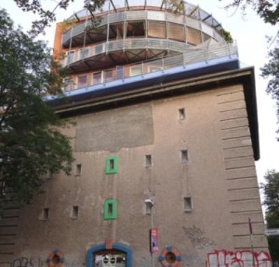 Hochbunker mit Wohnung