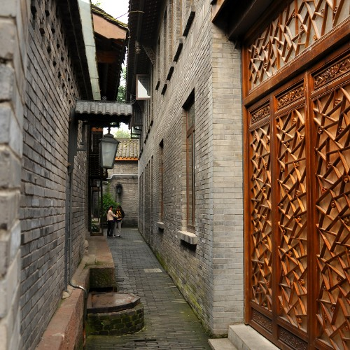 Big & Small Alley