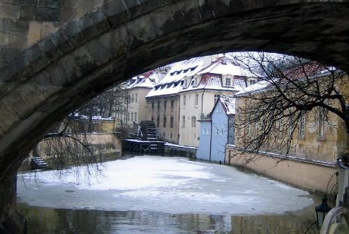 Карлов мост. У острова Кампа