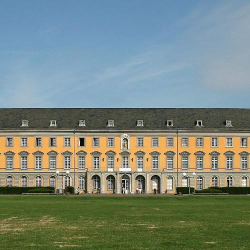 Kurfürstliche Residenz ( Universität )