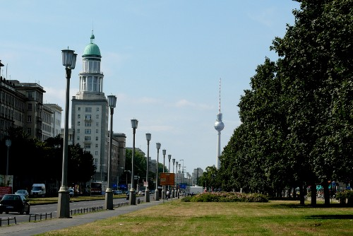 Frankfurter Allee - the resume of a boulevard