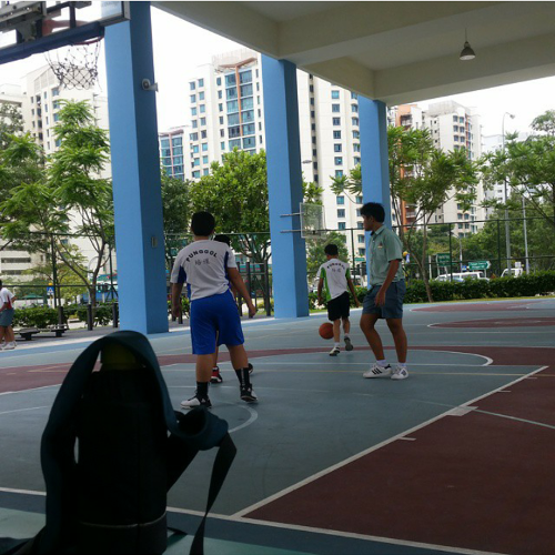 篮球场和操场 Basketball Court & School Field