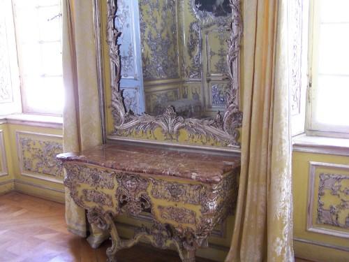 Amalienburg, blue cabinet