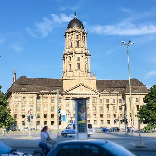 Das Rote Rathaus und das Alte Stadthaus