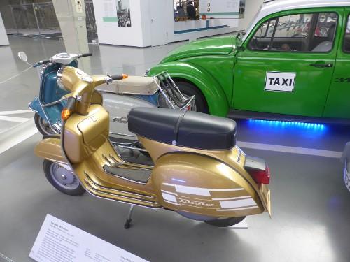 Motorroller Vespa Rally 200