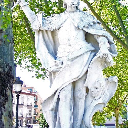 Statuen Ramiro I u. Alfons II