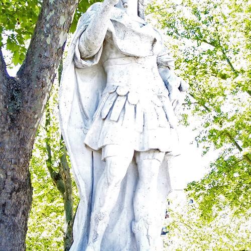 Statuen Inigo Arista und Alfonso I
