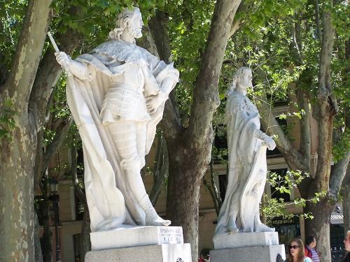 Statuen Fernan-Gonzales u. Ramir II