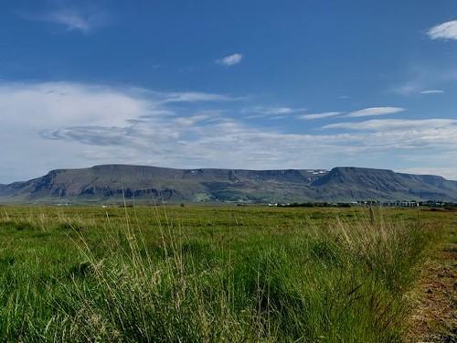 Blick auf das Esjagebirge