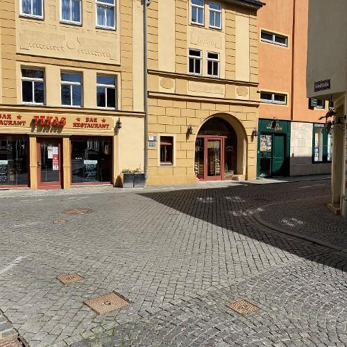 Wir wollen weiter zum Goetheplatz.