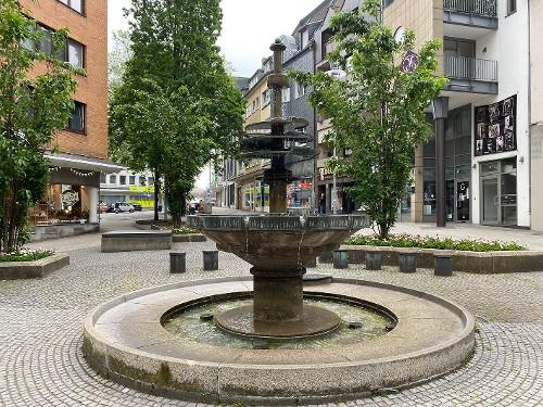 Sabine am Brunnen