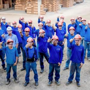 Profesionalidad-Ladrillera San Miguel De Los Cerros S.A.S.