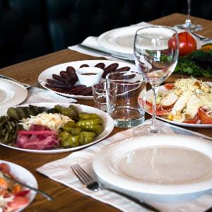 Garantía profesional-Banquetes, Bodas y 15