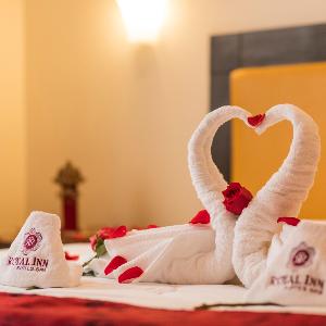 Calidad en el servicio-HOTEL Y SAUNA ROYAL INN
