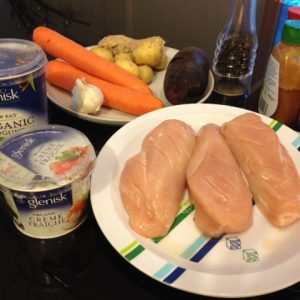 Chicken and yogurt for a simple marinade