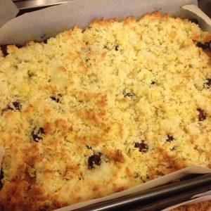 Blueberry and Lemon curd traybake