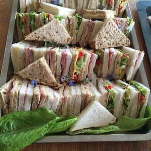 Sandwiches ready for the jumping