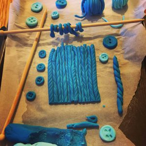 Knitting sugarpaste prep