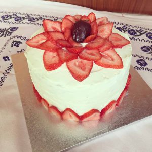 Strawberry cake with cheesecake filling