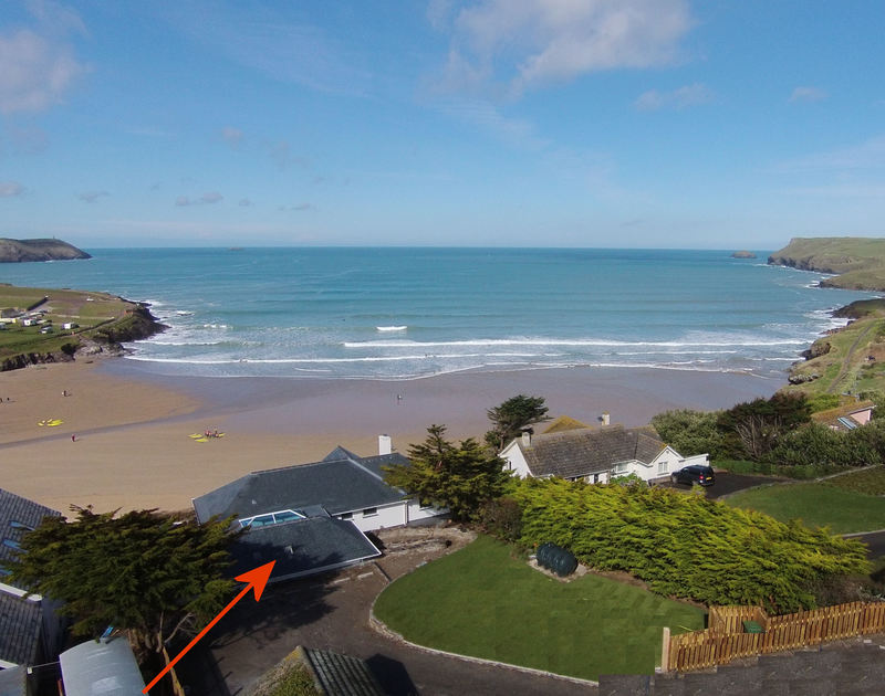 The White House offers an idyllic setting on the clifftop at New Polzeath, Cornwall with the rear garden and far reaching views of the beach,cliffs and sea.
