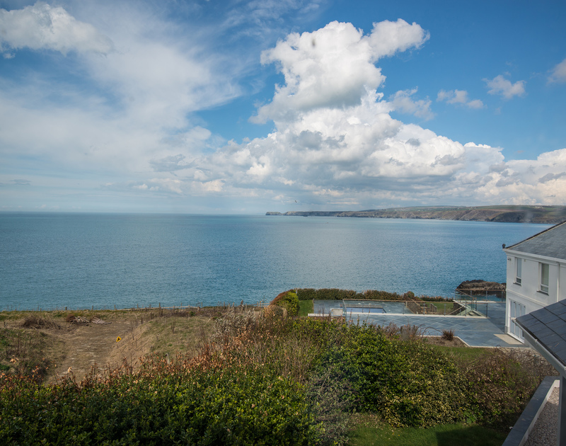Signal Post in Port Isaac with stunning sea and coastal views from the first floor of this newly refurbished self catering holiday house in North Cornwall.