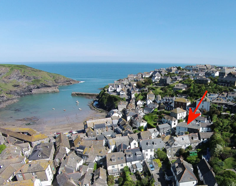 An aerial view with red arrow indicating the location of Homelands, a holiday house near the harbour of Port Isaac, Cornwall