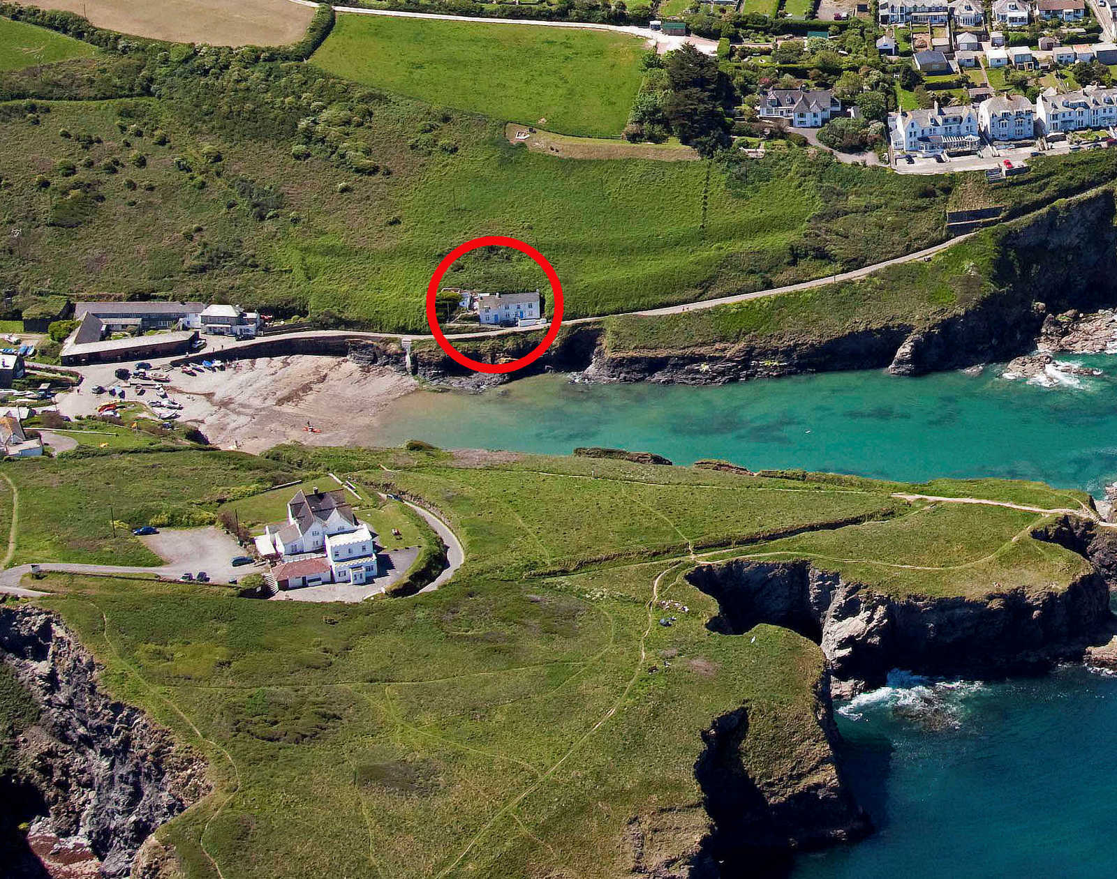 Rockies Self Catering Holiday Cottage In Port Isaac