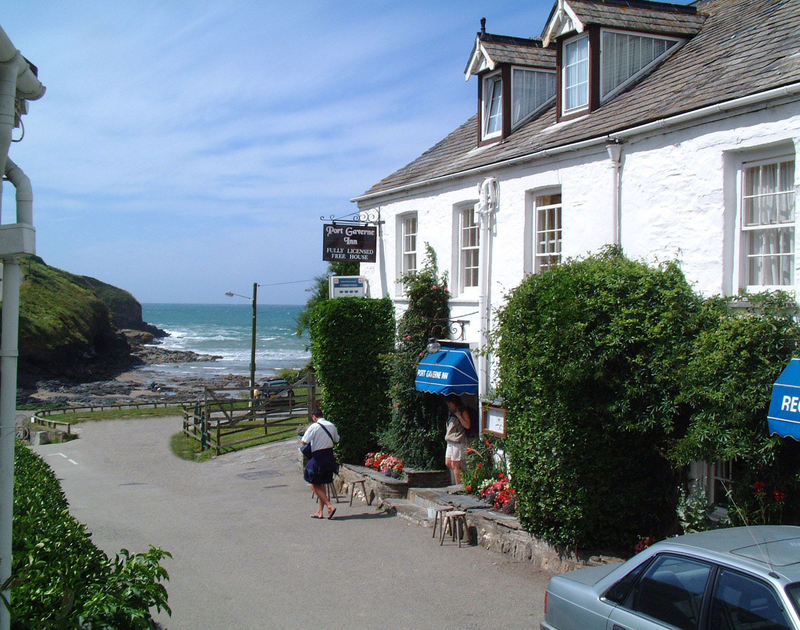 The renowned Port Gaverne Inn, a pub serving great food near Rockies, a holiday house in Port Isaac, Cornwall