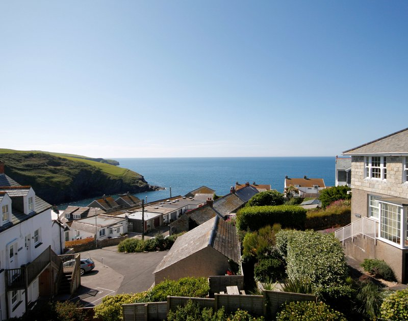 Views of the coast and Atlantic ocean from Fronthill House, a holiday rental in Port Isaac, Cornwall