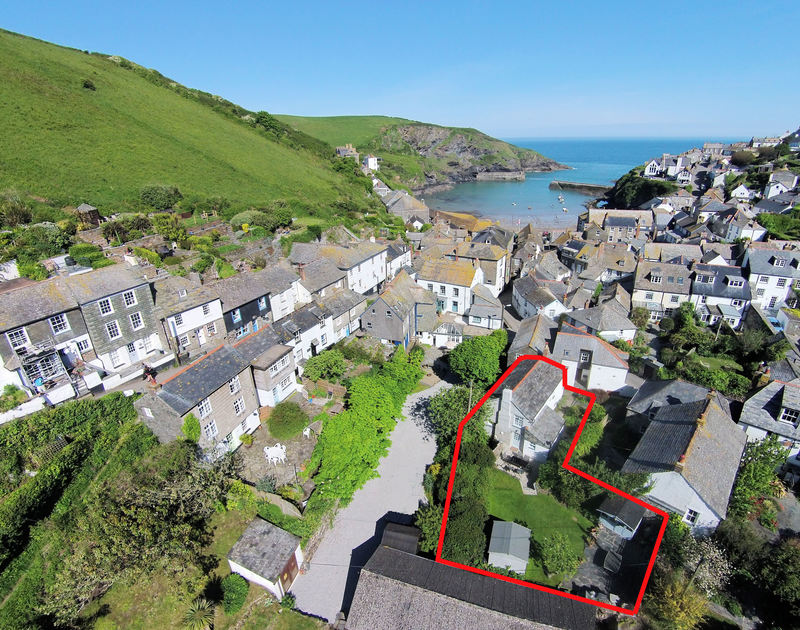 Red line showing the L-shaped plot of Brook Cottage in the old harbourside village of Port Isaac, Cornwall