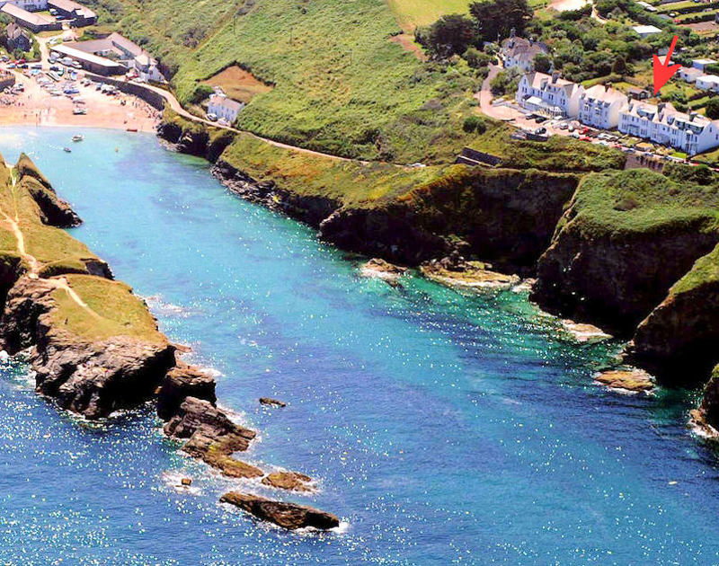 Spectacular Port Gaverne Cove just a stones throw from cliff top self catering holiday house Seaward, in Port Isaac, a pretty fishing village in North Cornwall.