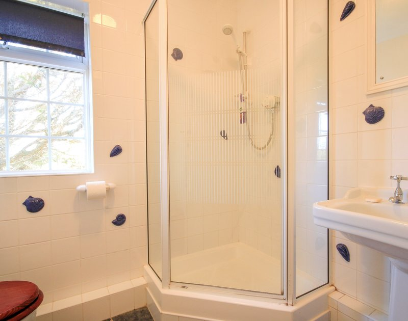 The shower room in Maylands, a self catering holiday property to rent above beautiful Port Gaverne and near Port Isaac in Cornwall.