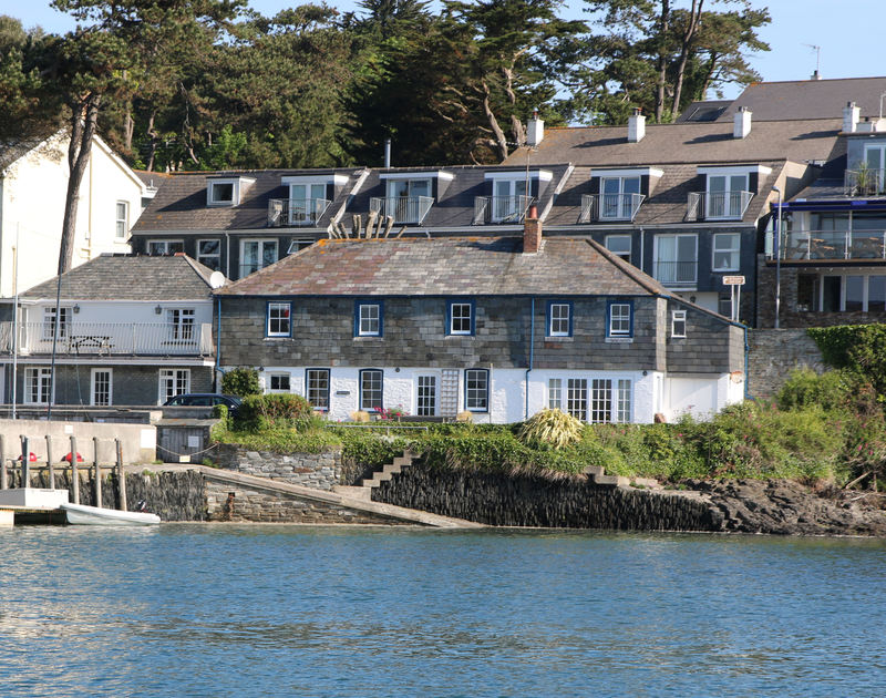 A lovely view from a boat on the esuary of 2 Quay Cottage, a holiday house with a fantastic location next to the sailing club and the shore at Rock, North Cornwall