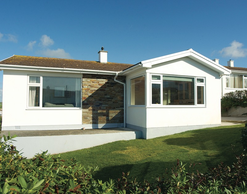 The front view of Trevic, a well positioned holiday bungalow in a elevated location overlooking Polzeath bay and the Atlantic Ocean in North Cornwall.
